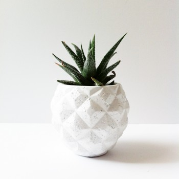 Pot grafisch wit 9,5cm. hoog