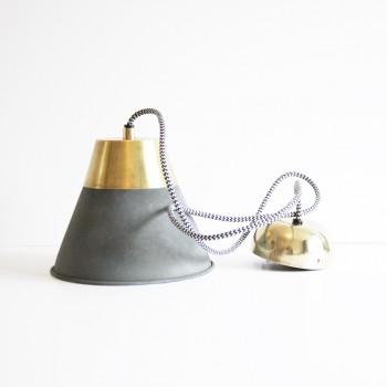Hanglamp beton/ messing The Go' Round 18cm. hoog