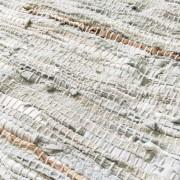 Vloerkleed Zenza leer metallic wit 140 x 200cm.